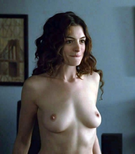 Naked Pics Of Famous People 16